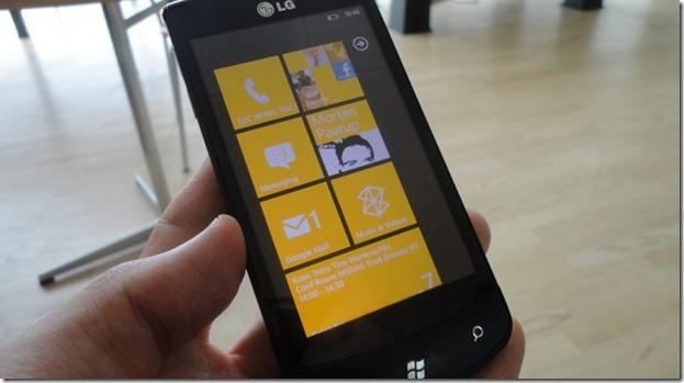 LG E900 Home