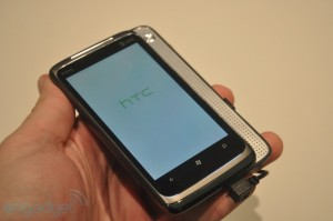 HTC Surround в руках engadget