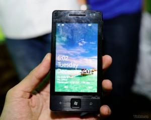 ASUS E600 с Windows Phone 7