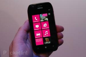 Фото-обзор Nokia Lumia 710