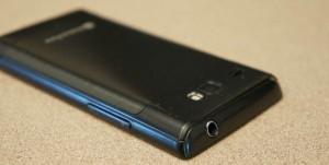 Обратная сторона Samsung Focus Flash