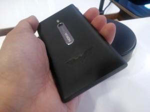 Ограниченная версия Nokia Lumia 800 Dark Knight