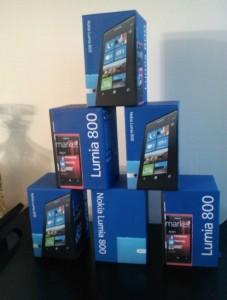 Nokia Lumia 800 в подарок сторонним разработчикам