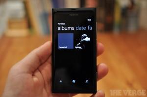 Lumia 800 Dark Knight