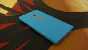 Покупатели Nokia Lumia 900 получат компенсацию 100 долларов за обнаруженную в смартфоне проблему