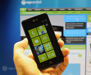 Обзор прототипа WP-смартфона LG Fantasy (E740)