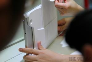 Планшет Acer Iconia W700