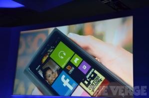 Microsoft не собирается выпускать собственный винфон