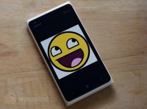 Nielsen: 96% пользователей довольны смартфоном Nokia Lumia 900