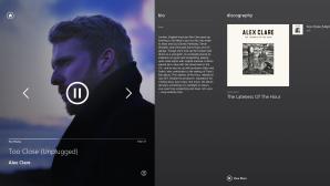 Трек играет с Xbox 360. А на Windows 8 мы наблюдаем краткую информацию об исполнителе, его альбомы, а так же возможность перемотки или приостановки трека