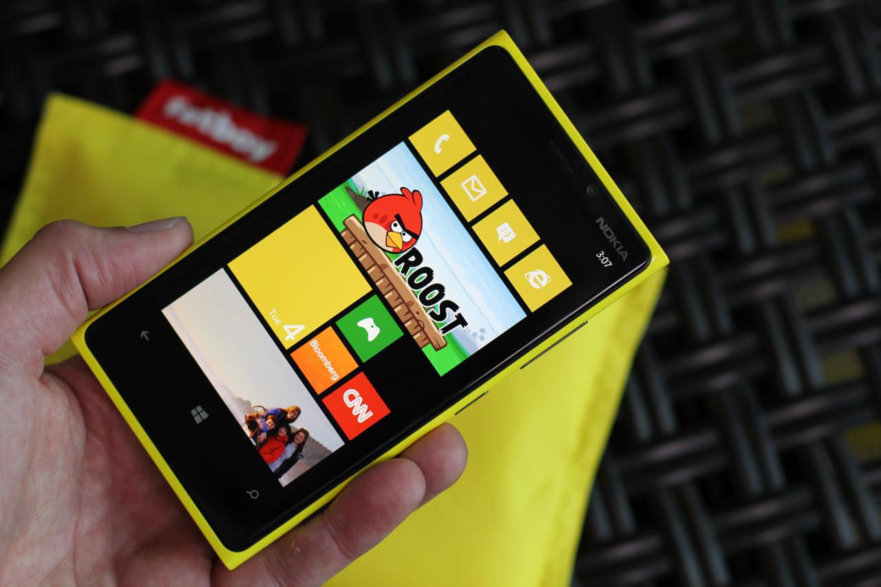Nokia Lumia 92 и Lumia 82 вышли в России - Mobiltelefon