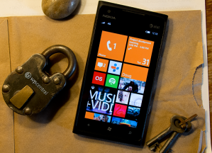   Windows Phone 8  ?