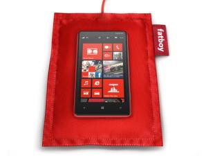 Nokia Lumia 820 с подушкой Fatboy