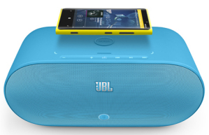 Nokia Lumia 920 с JBL PowerUp
