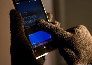 Да, да, я знаю, что в этих перчатках я выгляжу как идиот, но ни одним другим смартфоном с экраном touch-screen я не мог так же умело управлять, как этим Люмиа 920.