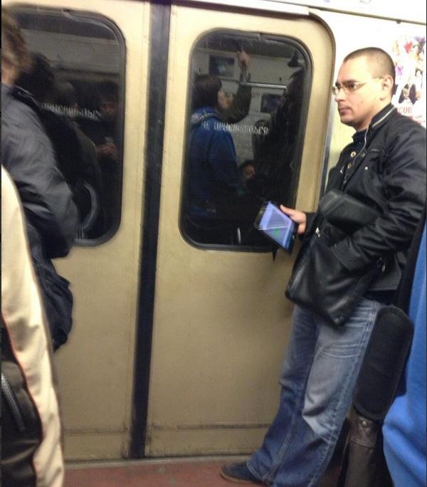 Microsoft Surface в московском метро