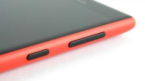 Nokia Lumia 720 - кнопки управления на правой боковой панели