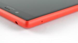 Nokia Lumia 720 - вид со стороны левого верхнего угла