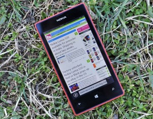 Nokia Lumia 520 - вид сверху