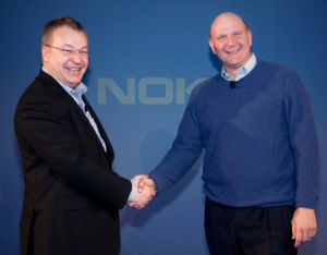 Генеральный директор Nokia Стивен Элоп (слева) и CEO Microsoft Стив Баллмер