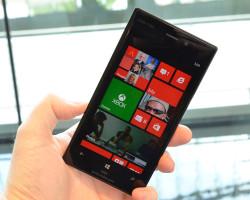 Фотографии Nokia Lumia 928 крупным планом