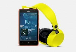 Nokia Lumia 625: фото