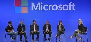 Глава подразделения операционных систем Microsoft Терри Майерсон - третий слева
