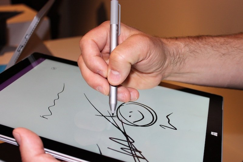 sketching-on-the-surface-pro-3s-screen-felt-natural-and-smooth-it-supports-palm-rejection-which-means-you-can-rest-your-hand-on-the-touch-screen-and-it-wont-interfere-with-your-work
