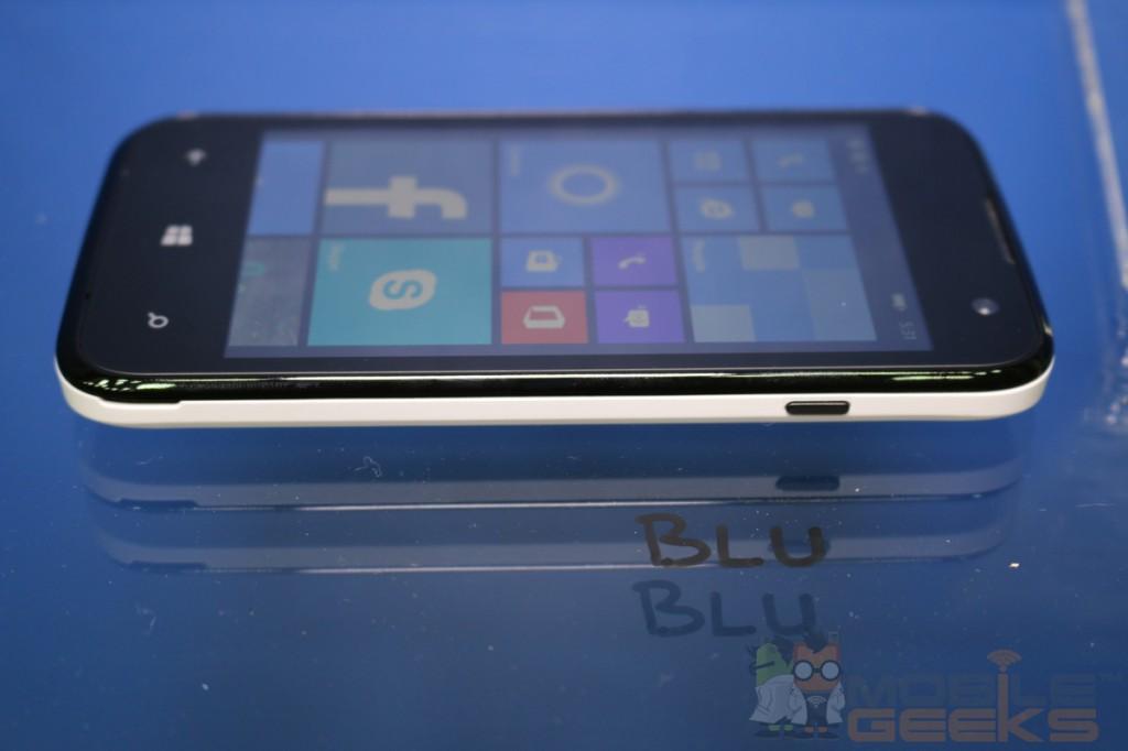 BLU-Products-4.0-inch-Windows-Phone-0006