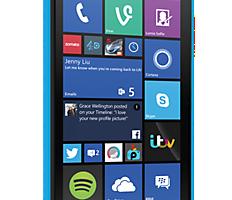 Nokia Lumia 735 доступен в голубом цвете