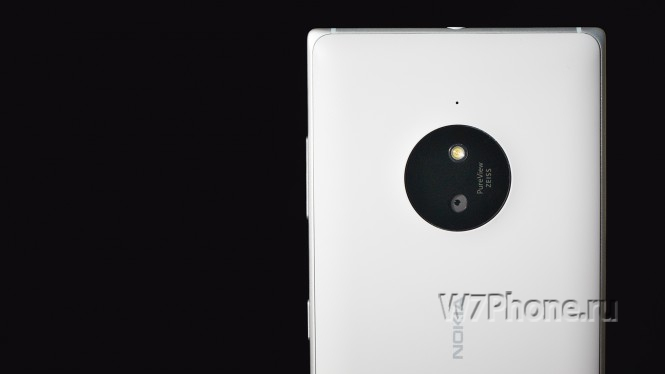 Фото смартфона Lumia 830
