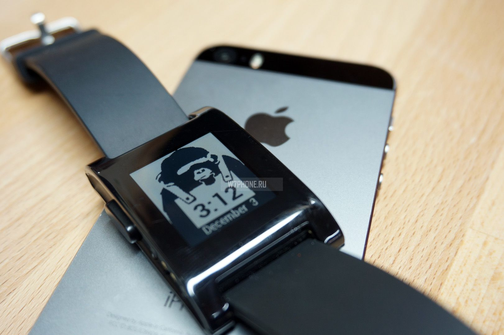 pebble-Smart-Watch-iphone-5-5s