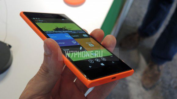 nokia-lumia-735-Design