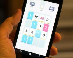 На Windows Phone вышла популярная головоломка Threes