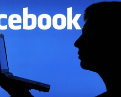 Facebook встроит рекламу всередину видеороликов и живые трансляции