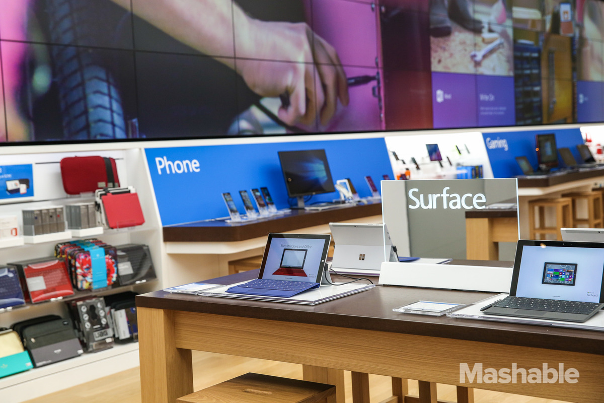102015-Microsoft-Flagship-Store-20