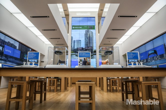 102015-Microsoft-Flagship-Store-27