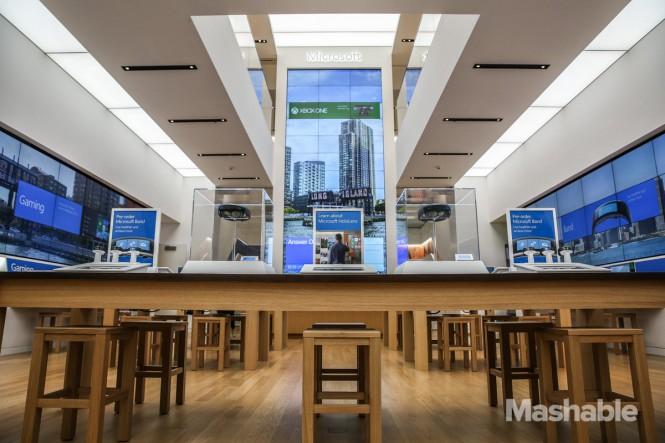 102015-Microsoft-Flagship-Store-27
