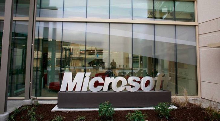 Microsoft-Signs-New-Deal-with-the-Realmadrid-Foundation-2