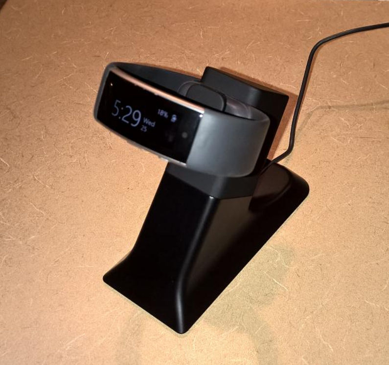 A-charging-stand-is-now-available-for-the-Microsoft-Band-2