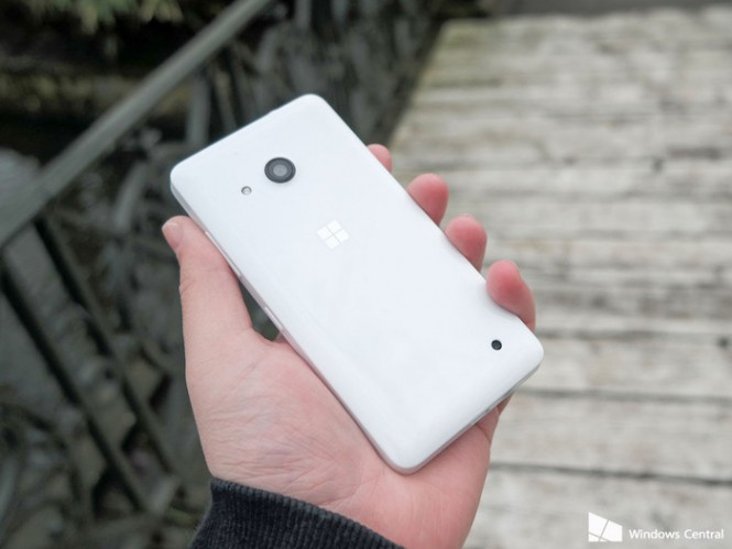 lumia-550-rear-white-hand-angle
