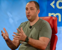 Основатель WhatsApp поддержал решение Apple невзламывать смартфон преступника