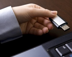 USB Thief— опасный троян, крадущий файлы через зараженные флешки