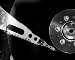 Новая технология позволит записывать на жёсткие диски в 10 раз больше информации