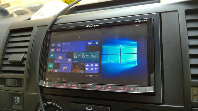 Автомобилист включил Windows 10 Mobile на бортовой системе Pioneer
