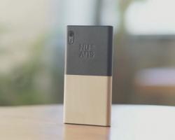 Небольшой видеообзор Windows-смартфона NuAns Neo