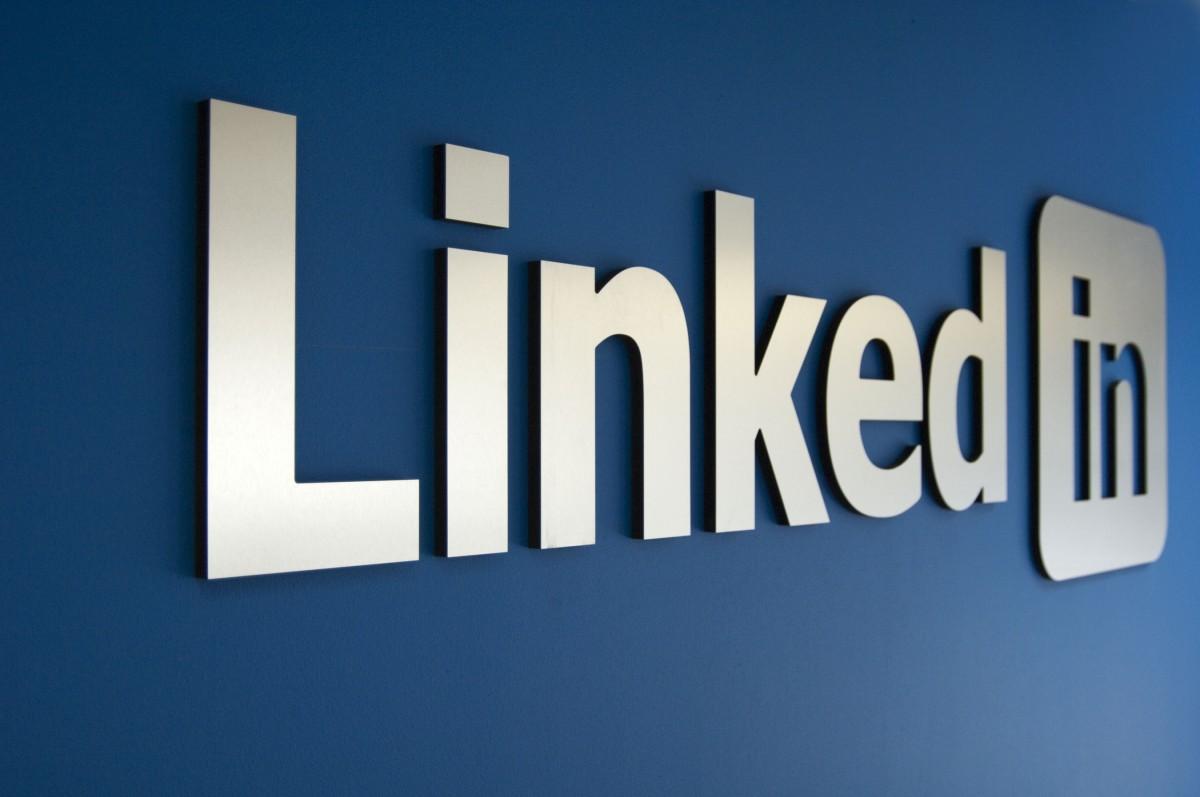 Google и Facebook также хотели купить LinkedIn