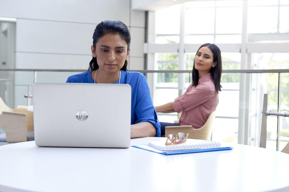 HPвыпустила ноутбуки с«антишпионскими» дисплеями