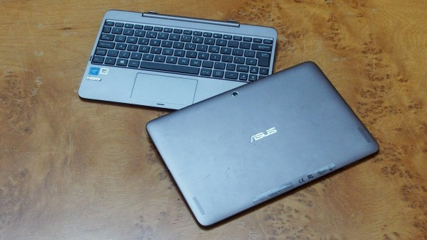 Asus-Transformer-Book-T100HA-Review-detached