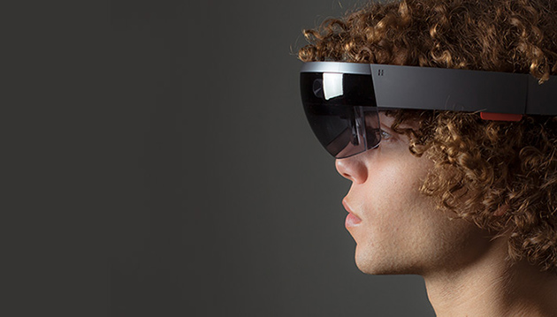 Энтузиаст показал, как будет выглядеть офис будущего с Microsoft HoloLens